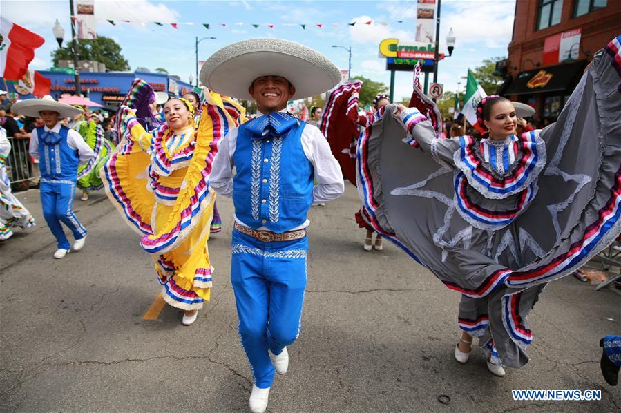Parade held ahead of Mexican Independence Day in Chicago