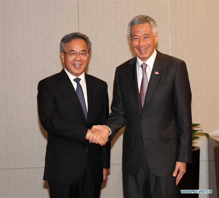 VIETNAM-HANOI-CHINA-HU CHUNHUA-SINGAPORE-LEE HSIEN LOONG-MEETING