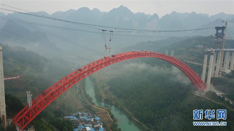 (经济)(1)贵州大小井特大桥建设进入冲刺阶段