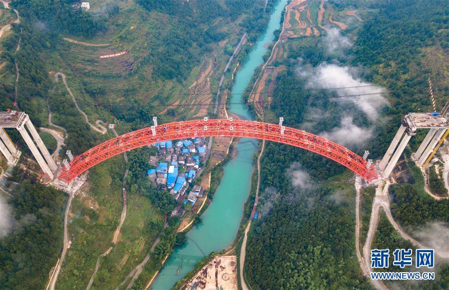 (经济)(6)贵州大小井特大桥建设进入冲刺阶段