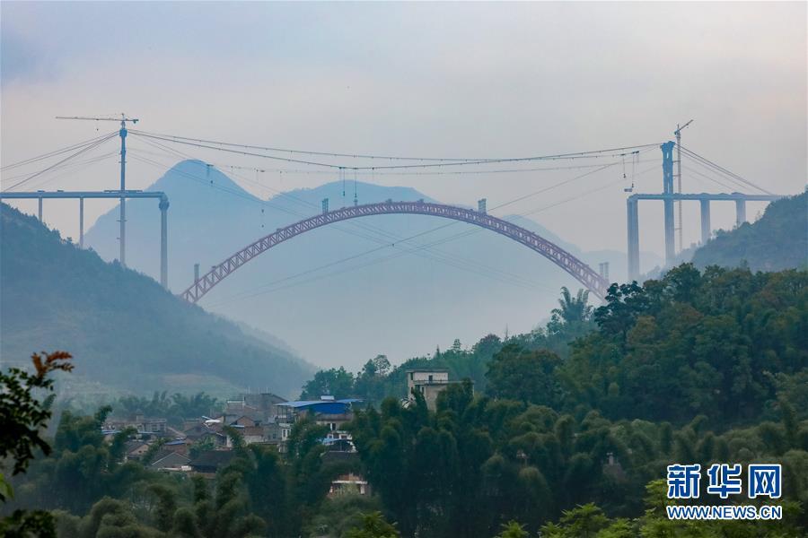 (经济)(4)贵州大小井特大桥建设进入冲刺阶段