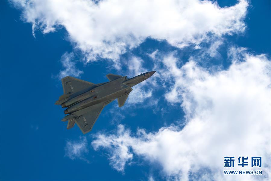(图文互动)(1)中国空军发布强军宣传片《头顶的家园》
