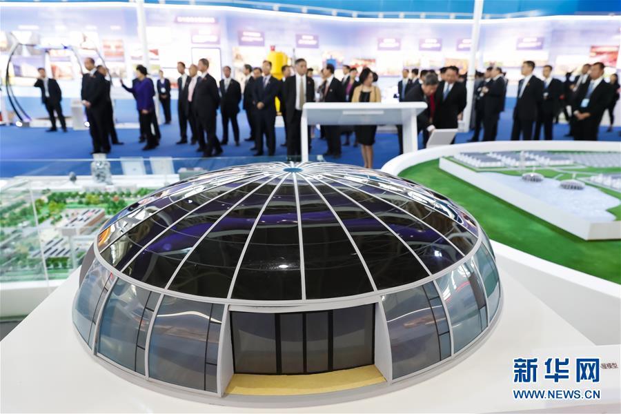 (社会)(1)宁夏回族自治区成立60周年大型成就展开幕