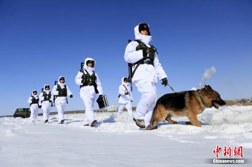 """零下40度不懈巡逻 他们在中俄边境守住祖国""""北大门"""""""