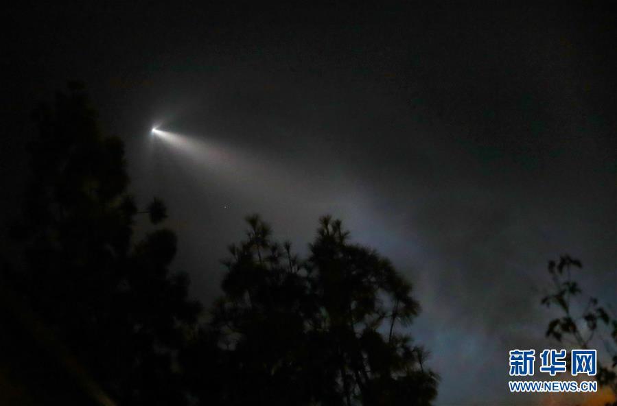"""(国际)(1)""""猎鹰9""""火箭成功发射阿根廷卫星"""