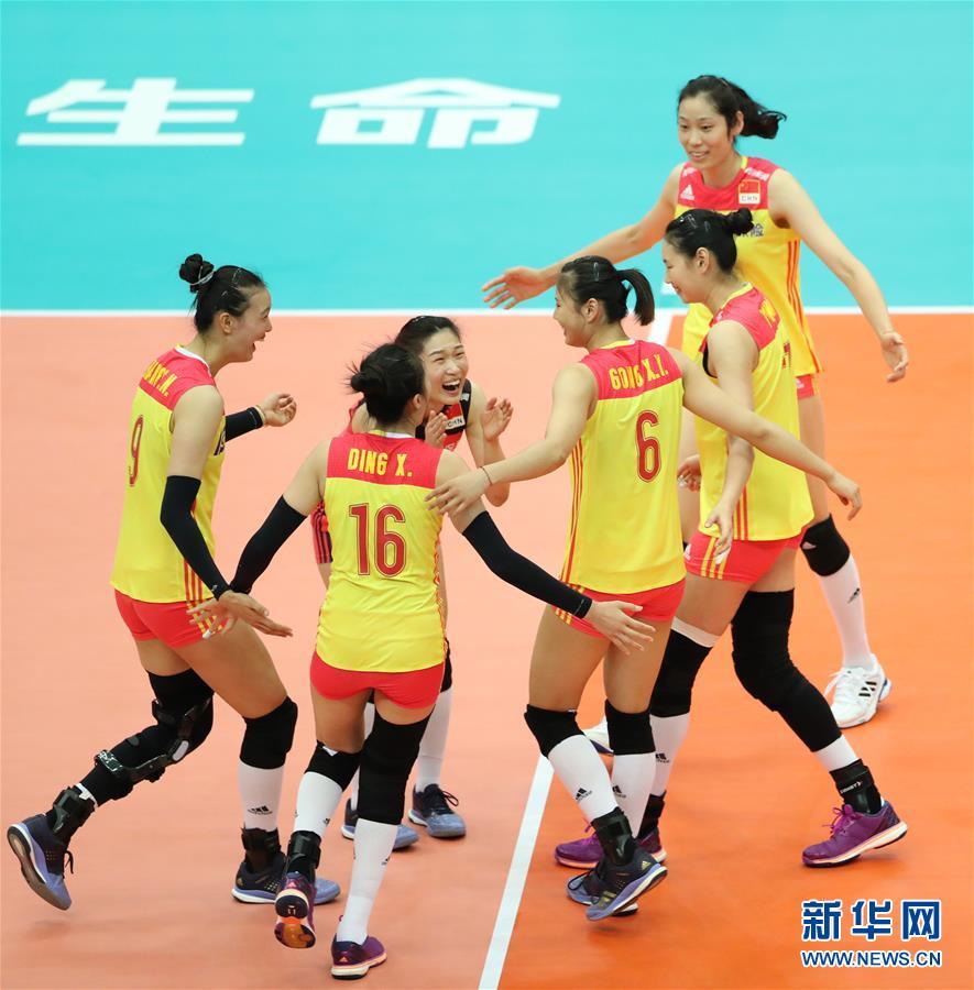 (体育)(1)排球――女排世锦赛:中国胜美国