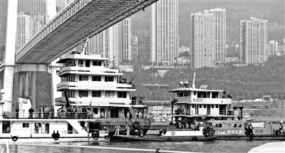 重慶墜江公交初步核實15人失聯 或有一家4口