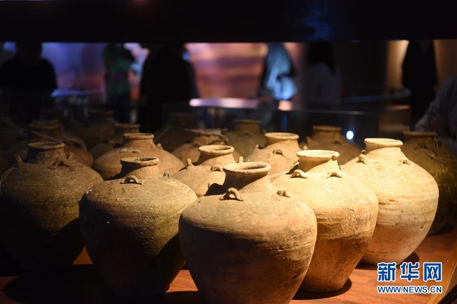 (国际・图文互动)(3)中文交往与海上丝路的历史见证――访文莱海事博物馆
