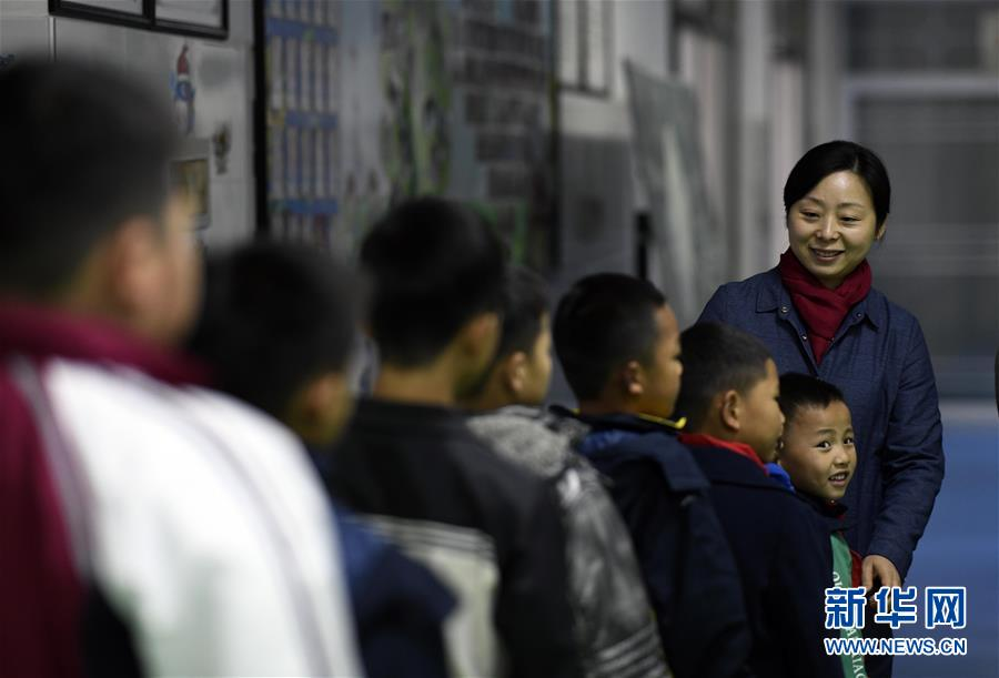 """(图片故事)(4)湘西大山深处:125个孩子一个""""家"""""""