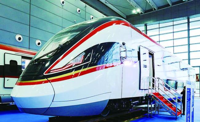 A double decker with eight compartments, developed by China's train maker CRRC Zhuzhou Locomotive Co. Ltd., is shown at the Rail+Metro China 2018 in Changsha, Hunan Province. [File Photo: Zhuzhou Evening News]