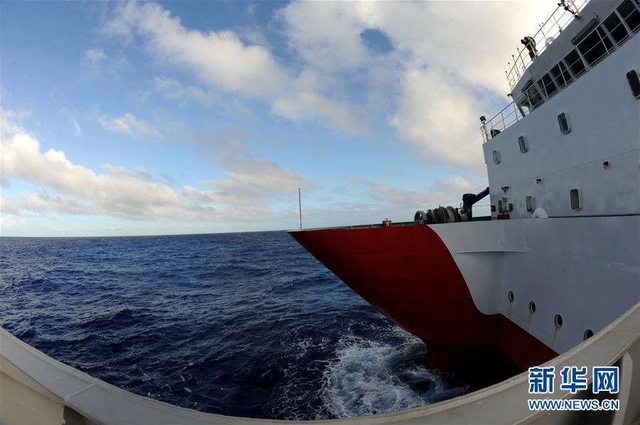 """(图文互动)(1)""""沈括""""号在西太平洋展开海试与科考作业"""