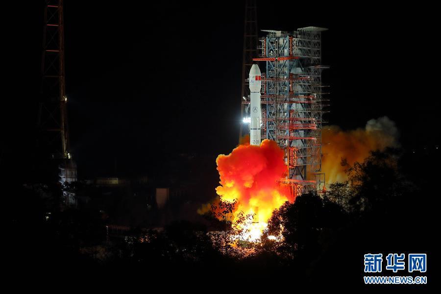 (圖文互動)(1)我國探月工程嫦娥四號探測器成功發射 開啟人類首次月球背面軟著陸探測之旅