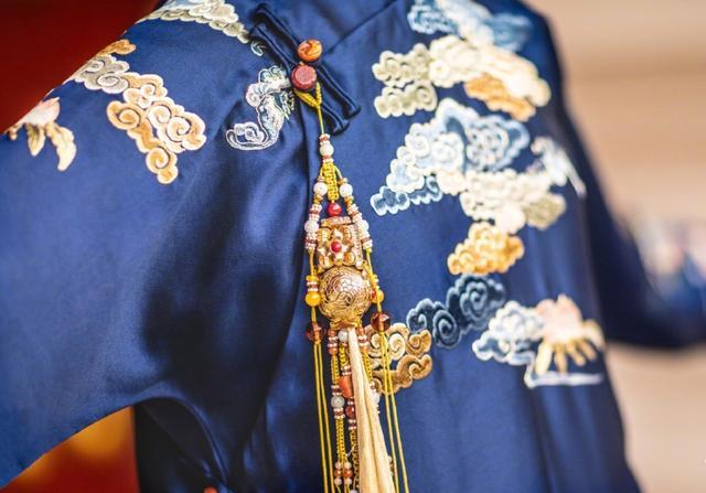 Details of a historically accurate costume used in the show. [Photo: Weibo]