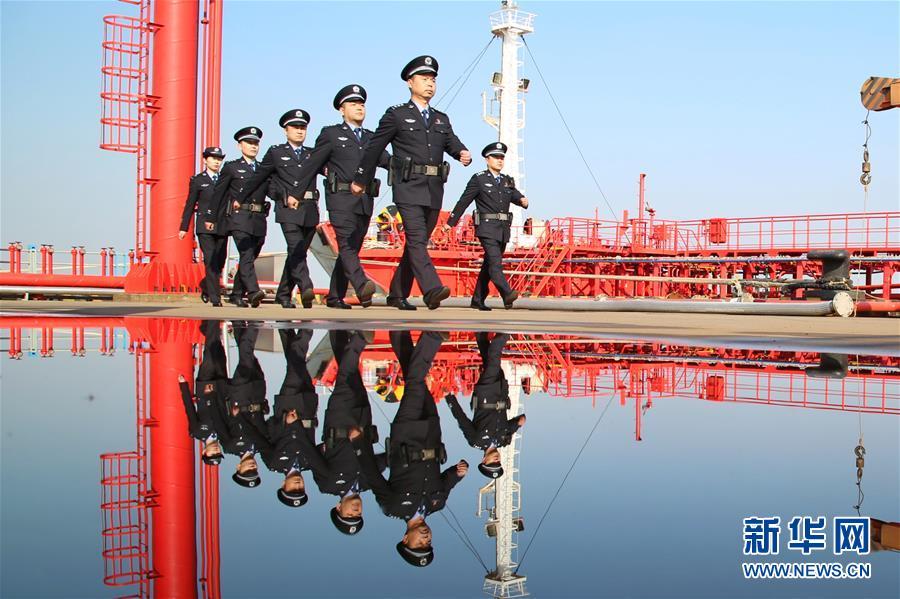 #(社會)(3)全國出入境邊檢機關全員統一換裝