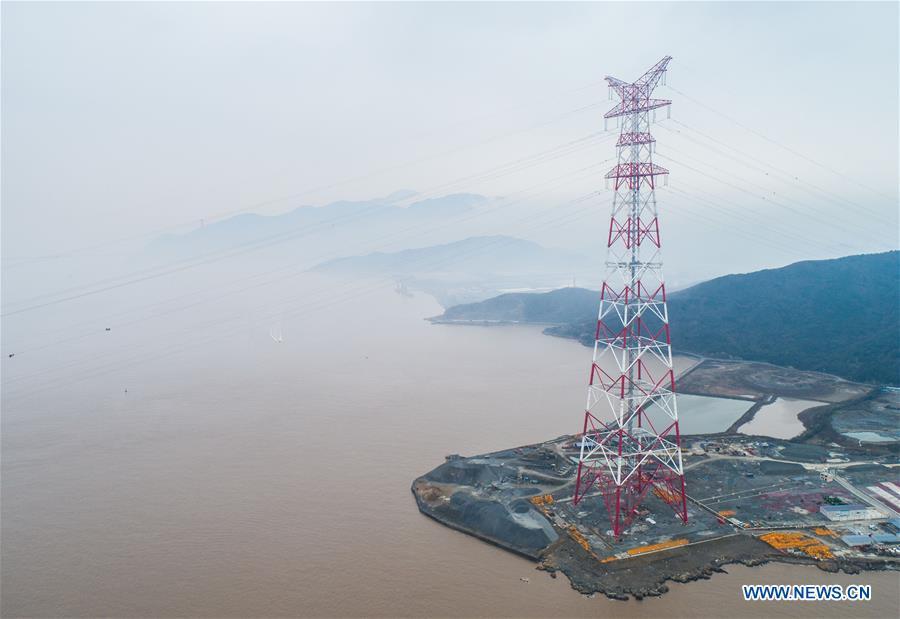 CHINA-ZHEJIANG-WORLD'S HIGHEST POWER PYLON-CABLE CONSTRUCTION (CN)