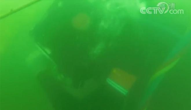 """深海""""潜蛟""""张恒银:怕死就不当潜水兵"""