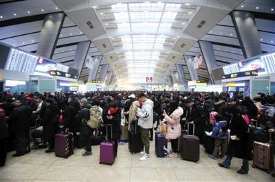 春运首日40万人乘火车离京