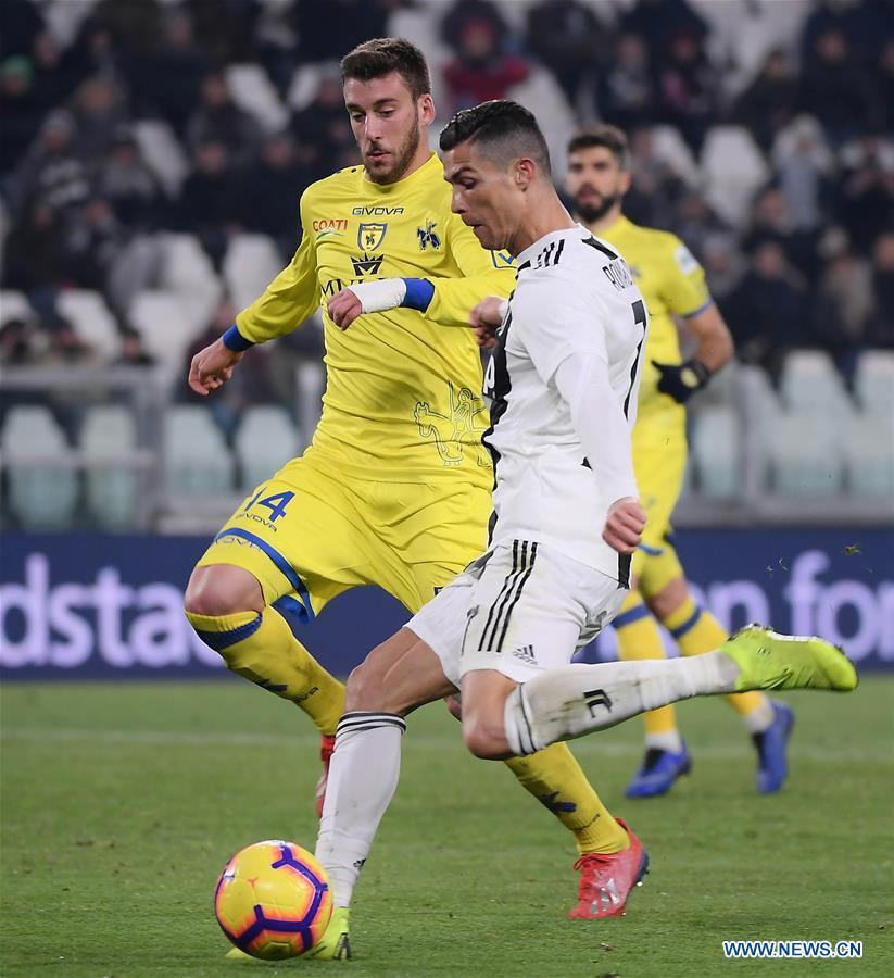 Serie A: FC Juventus beats Chievo Verona 3-0