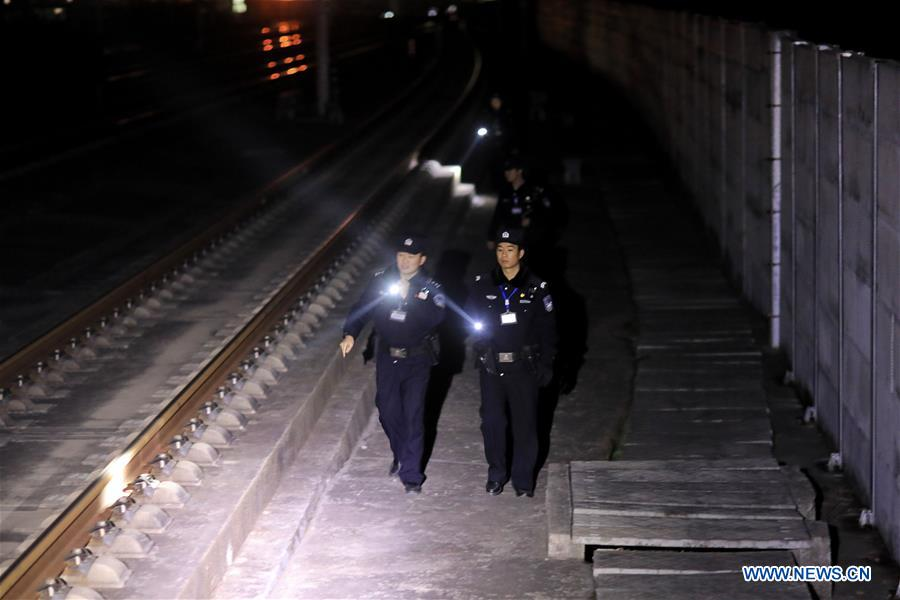 Police conducts safety inspection for Spring Festival travel rush