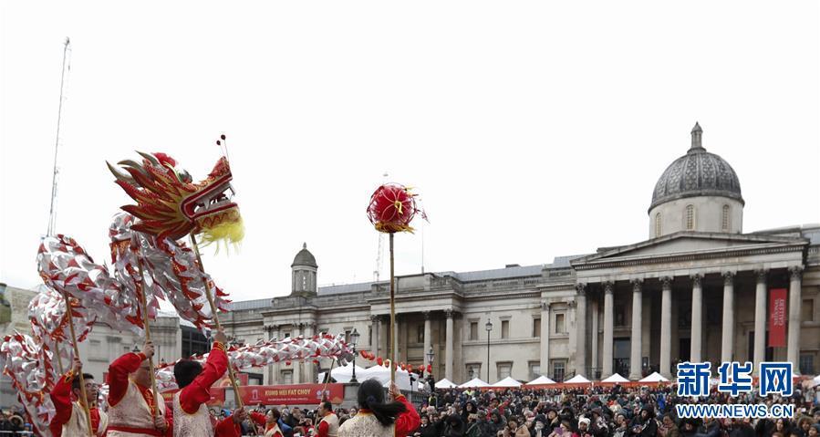 (国际)(1)伦敦特拉法加广场举行盛大春节庆典