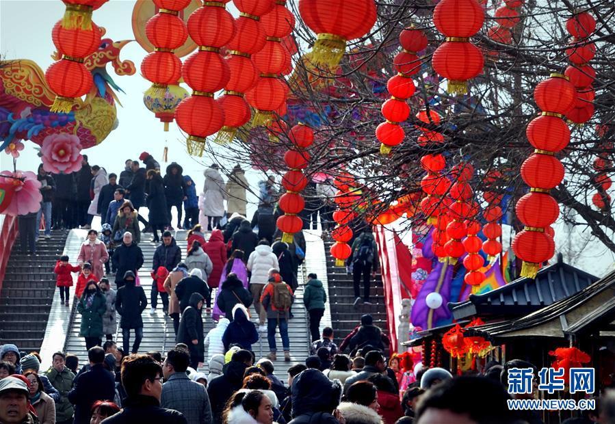(社会)(2)河南:春节假期旅游收入逾180亿元