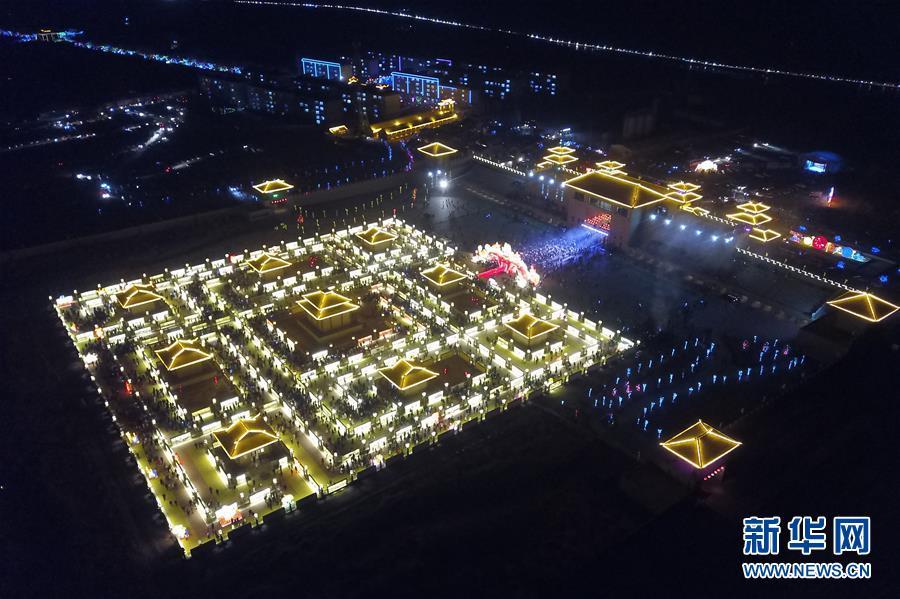 (文化)(4)甘肅張掖:九曲黃河燈陣亮燈迎客