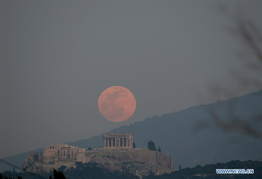 GREECE-ATHENS-ACROPOLIS-FULL MOON