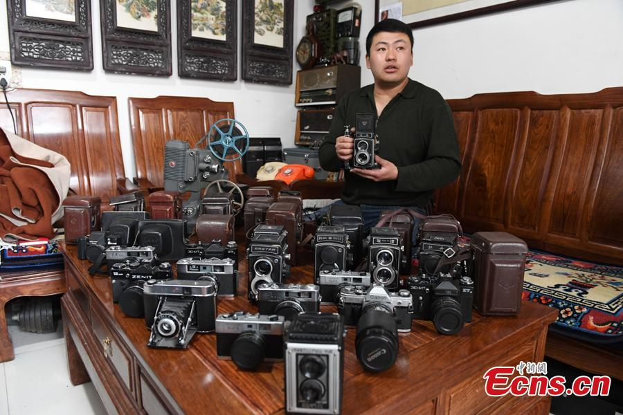 Man collects 1,200 old-fashioned cameras
