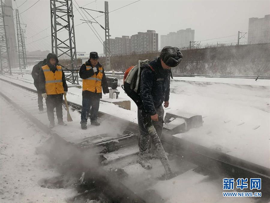 (社会)(5)吉林长春:积极应对风雪考验