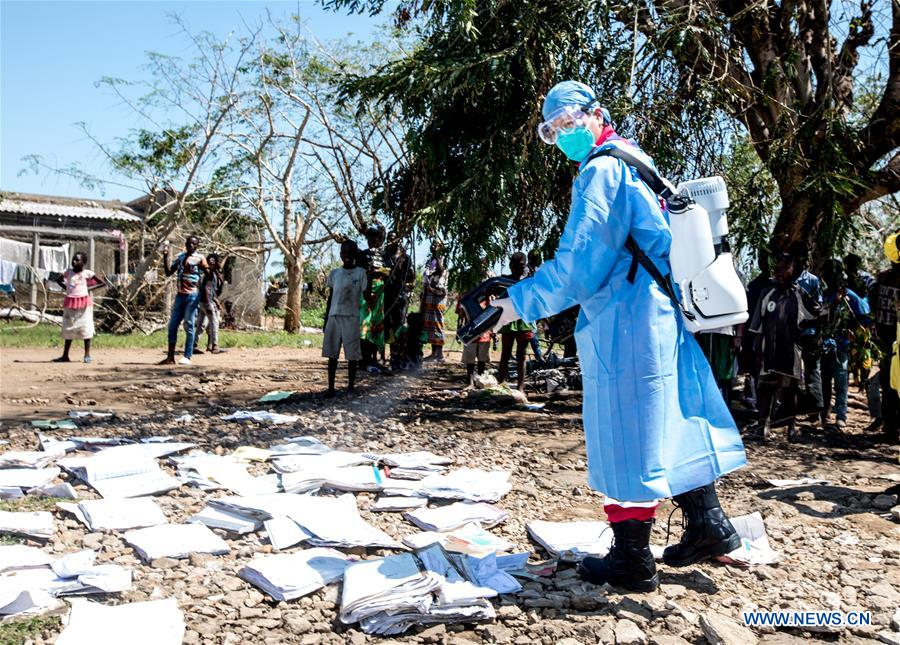 Chinese rescue team carries out disaster relief work in Mozambique's Lamago Village