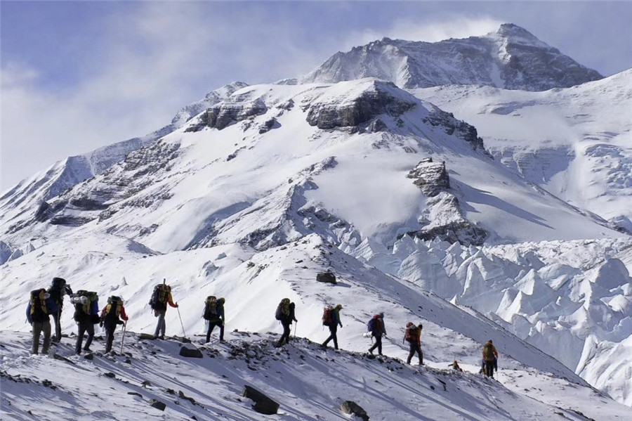 Tibet ready to welcome mountaineers' spring rush