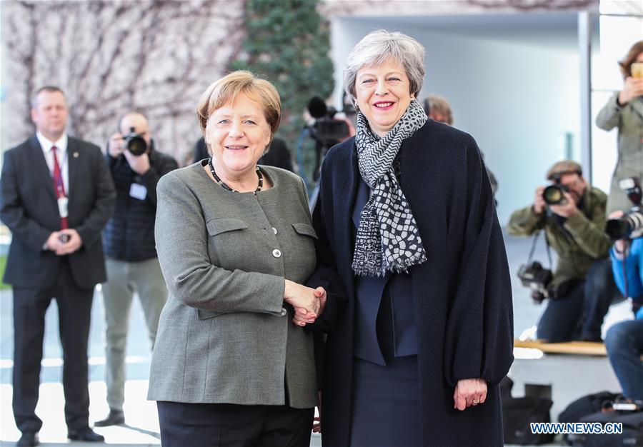 Merkel meets with Theresa May in Berlin