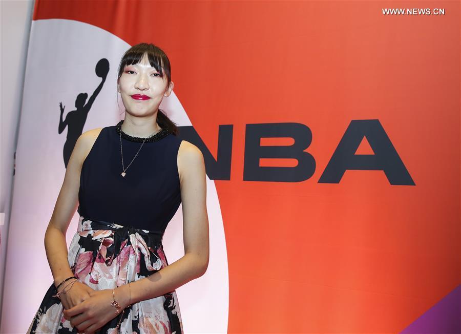 (SP)U.S.-NEW YORK-BASKETBALL-WNBA DRAFT-CHINA'S HAN XU