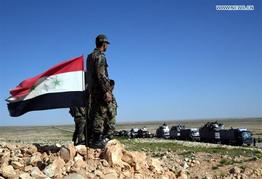 Displaced Syrians leave rebel-held Rukban refugee camp