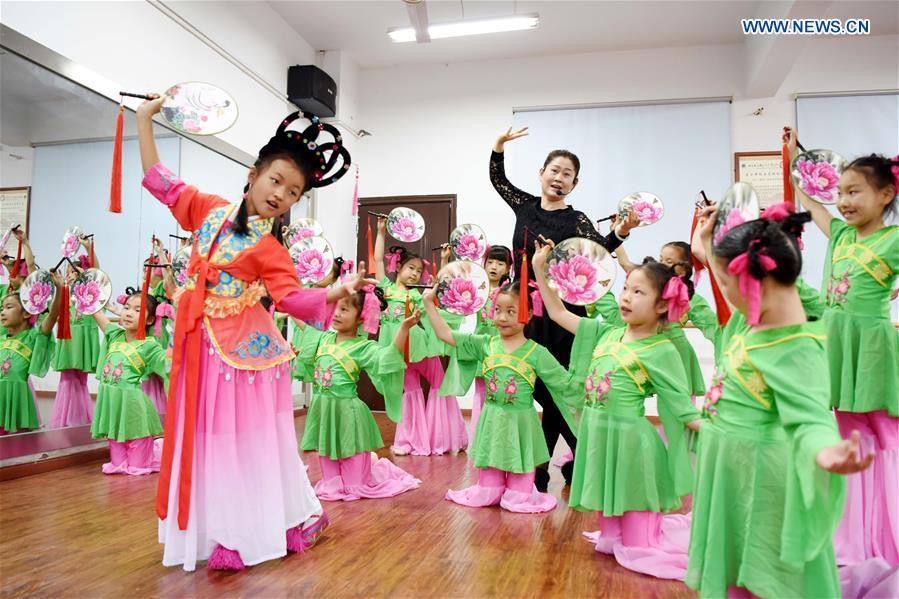 #CHINA-HEFEI-TONGLING-HUANGMEI OPERA-STUDENTS (CN)