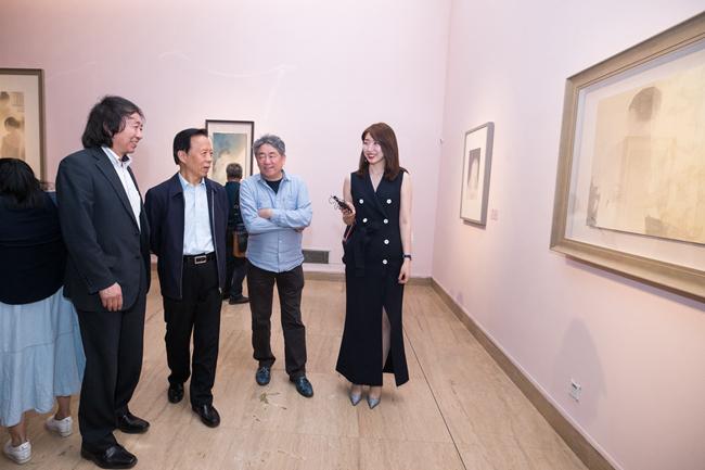 青年艺术家刘瑶作品展《瑶台镜》亮相中国美术馆