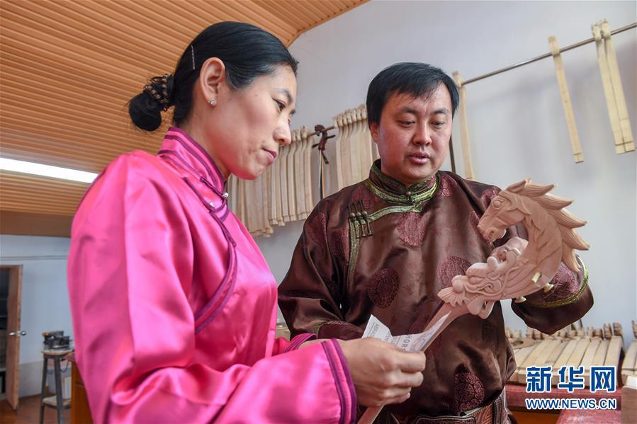(文化)(3)马头琴制作人白苏古郎:传承非遗文化 传唱民族声音