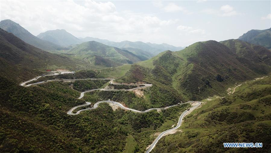 Scenery of National Highway 212 in NW China's Gansu