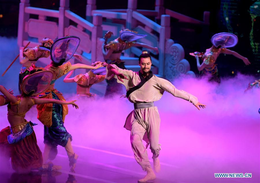 """Dance drama """"Flower Rains along Silk Road"""" performed in Lanzhou to mark 40th anniv. of its debut"""