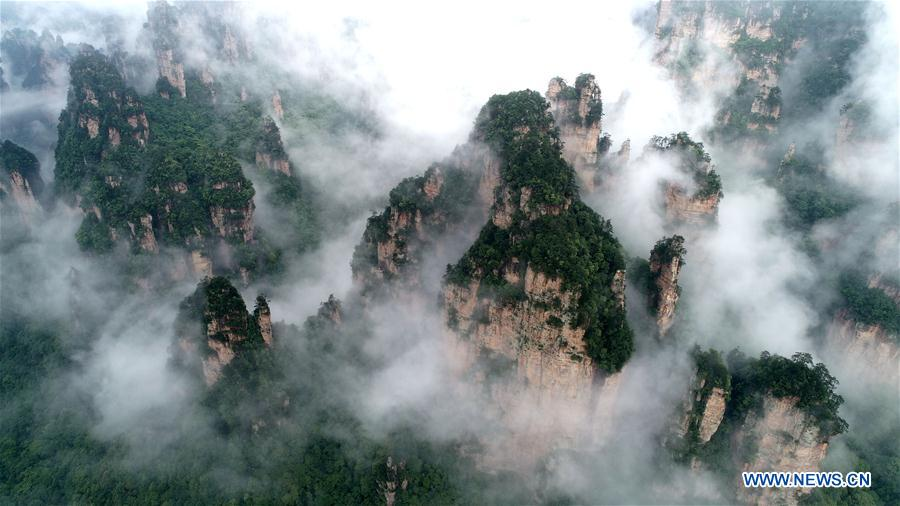Scenery of Wulingyuan Scenic Area in Zhangjiajie