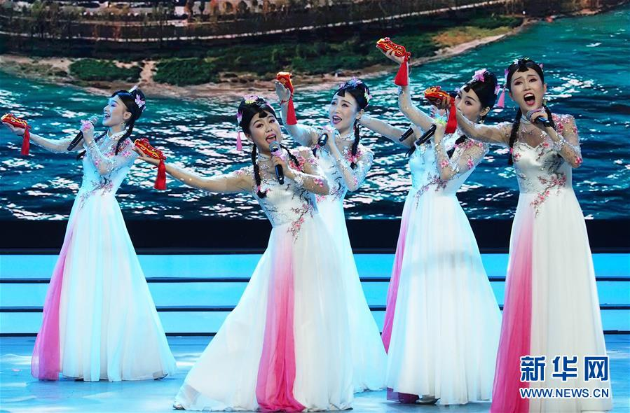 (文化)(1)第十八届群星奖颁奖晚会在上海举行