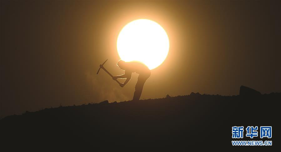 (国际)(1)科威特遭遇高温天气
