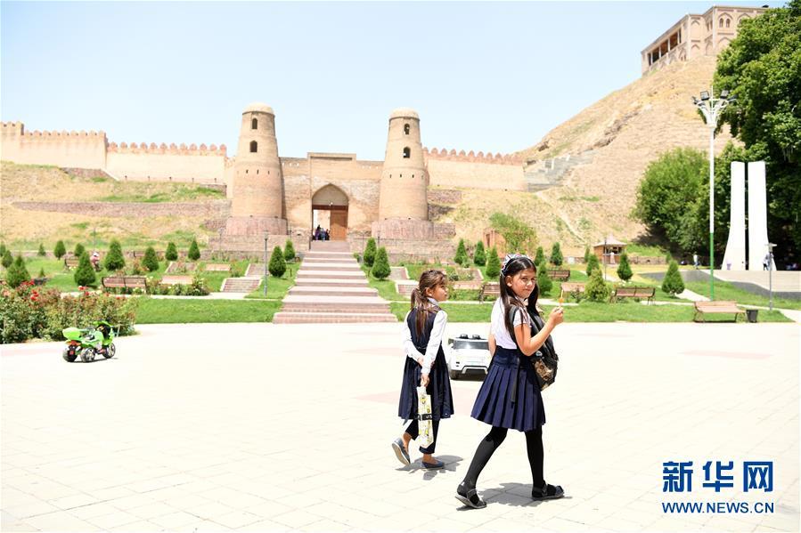 (国际)(1)探访吉萨尔城堡