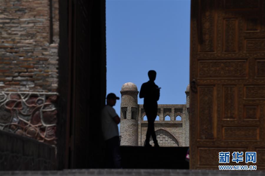 (国际)(2)探访吉萨尔城堡