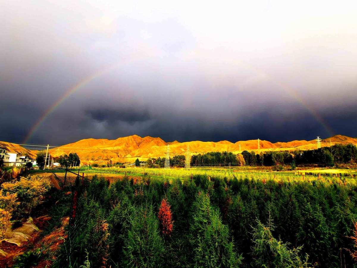 Gorgeous grassland scenery in Gansu province