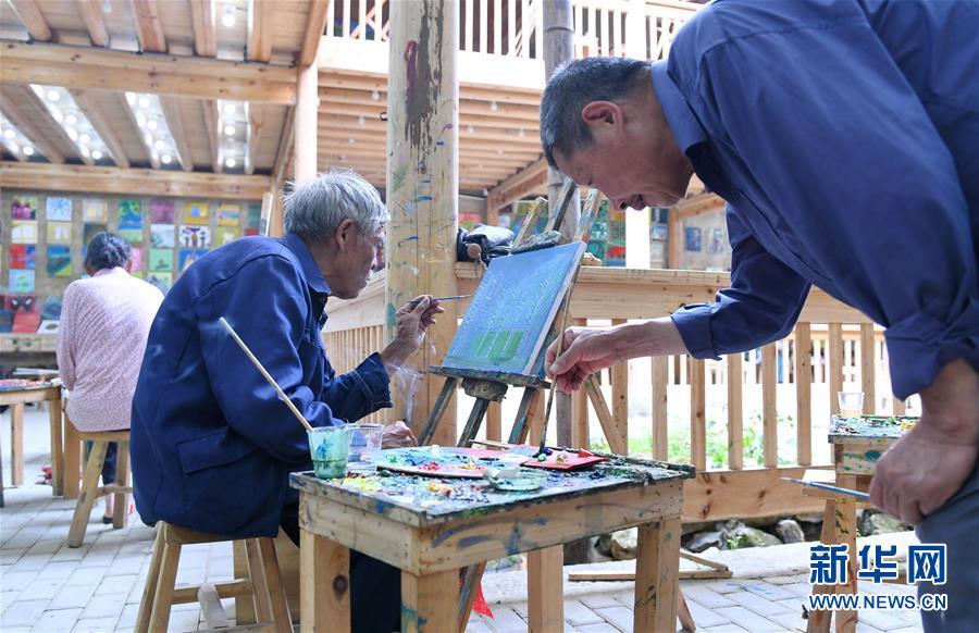 """(图片故事)(6)一个古村的""""文艺复兴"""""""