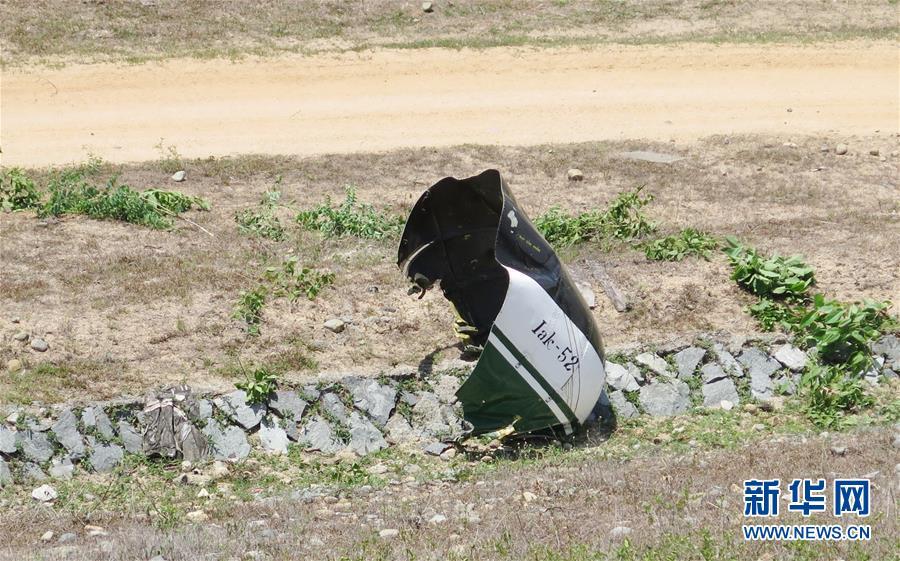 (国际)(1)越南一军机坠毁 2人死亡
