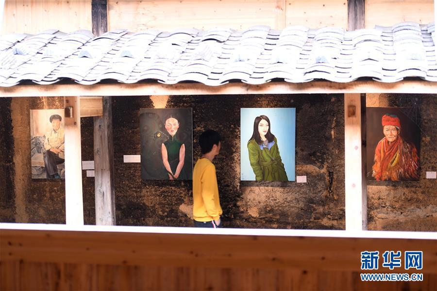 """(图片故事)(7)一个古村的""""文艺复兴"""""""