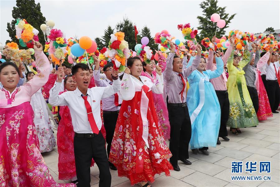 (XHDW)(5)朝鲜民众热烈欢迎习近平